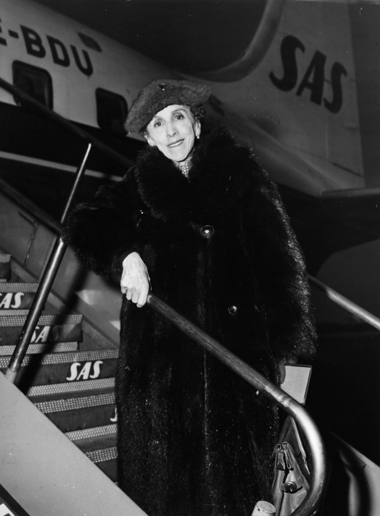 Baroness Karen Blixen-Finecke at Kastrup Airport CPH, Copenhagen 1957-11-02.
